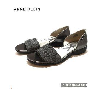 Anne Klein size 8 1/2 M Kea flats pewter woven